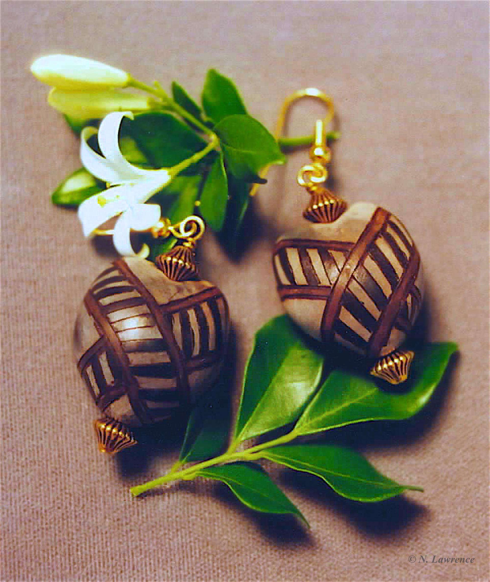 Hālu'a Designed Kukui Earrings