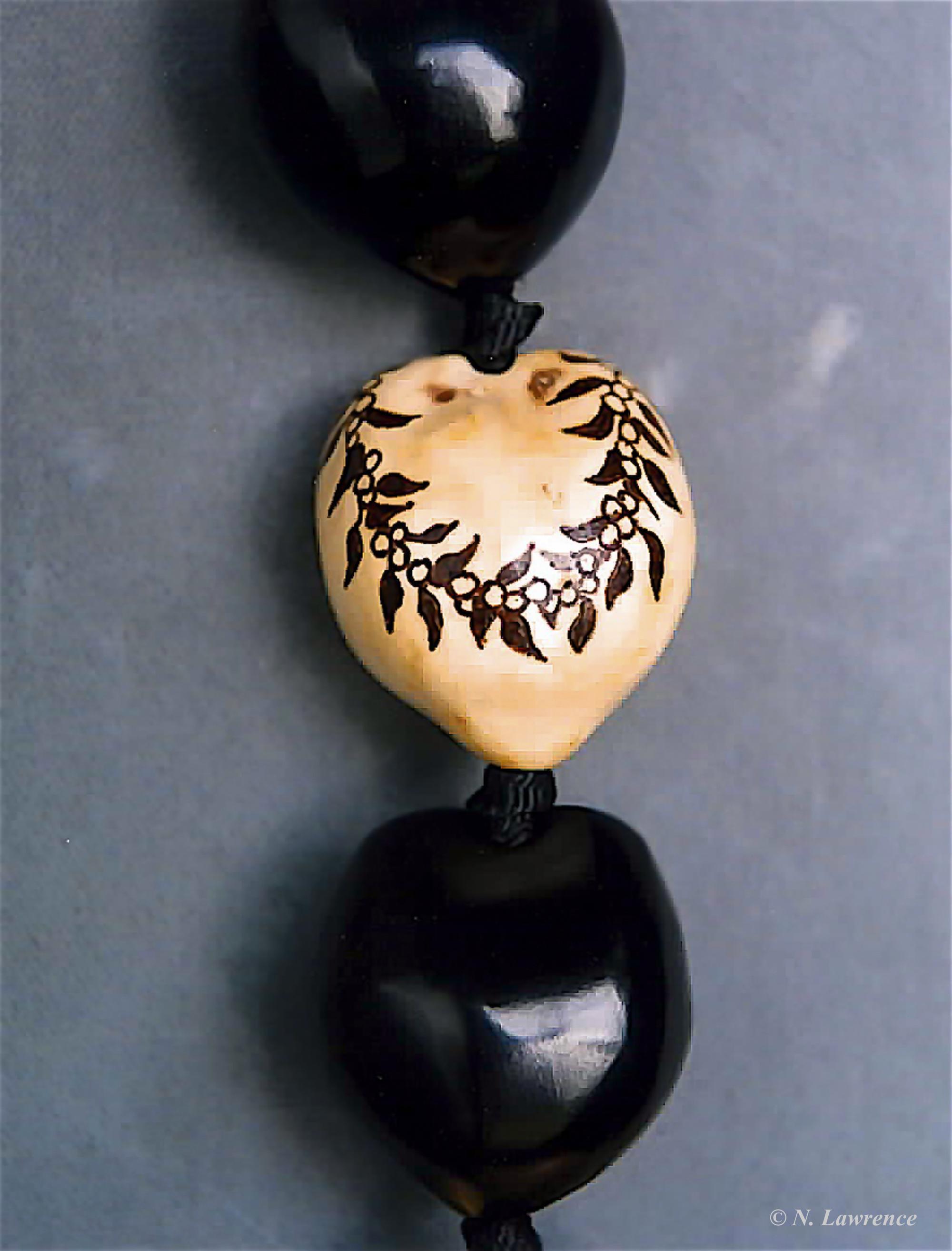 Maile and Mokihana Design Kukui Nut
