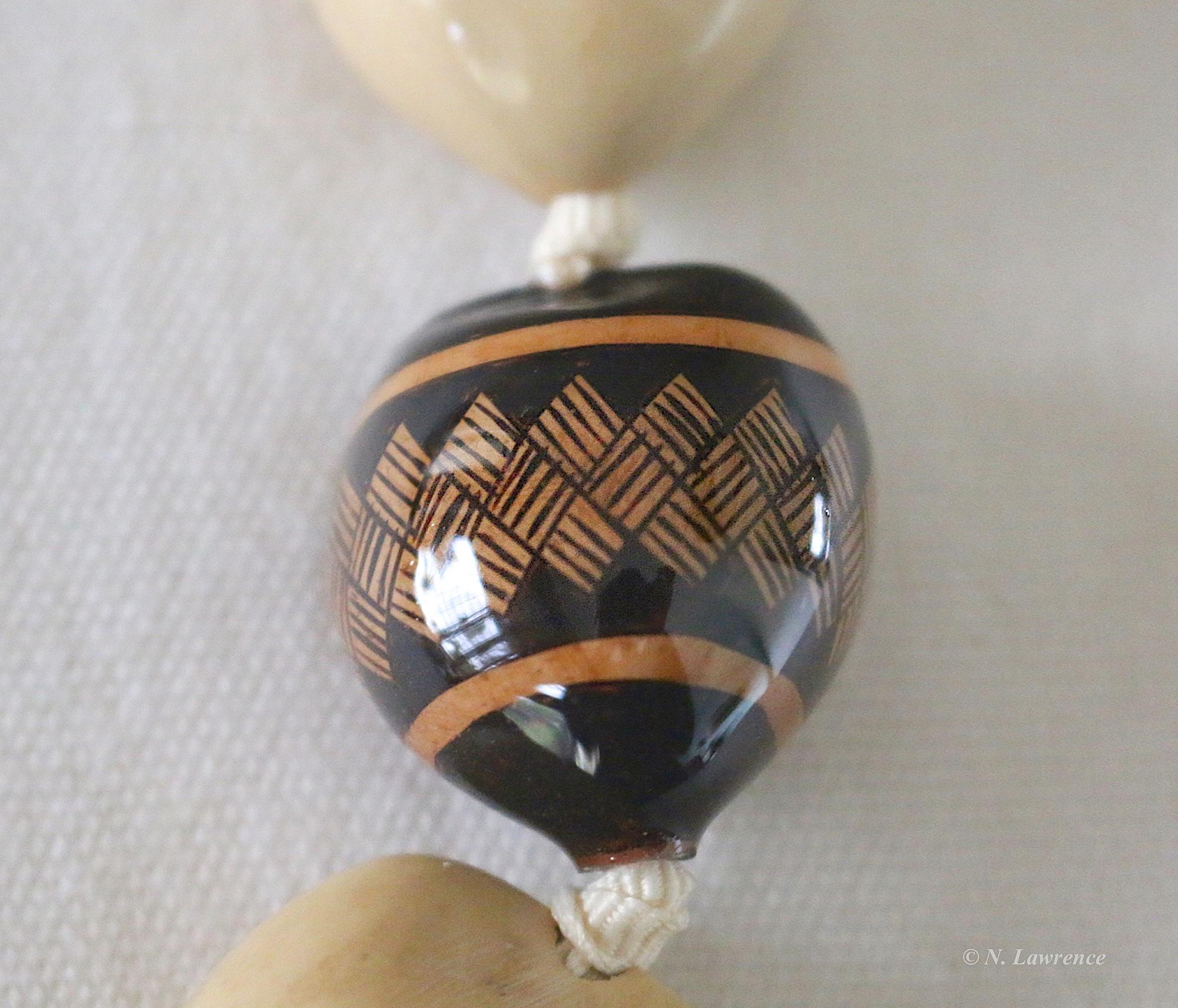 Woven Design Epoxy Nut 1a